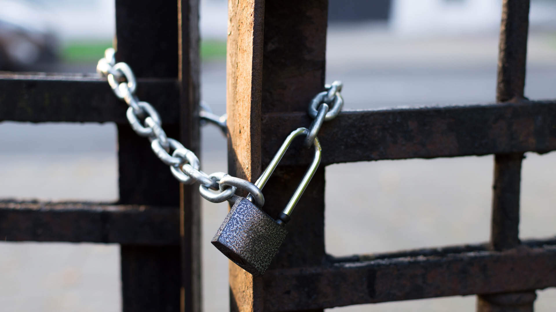 Locked gate, padlock sales and service