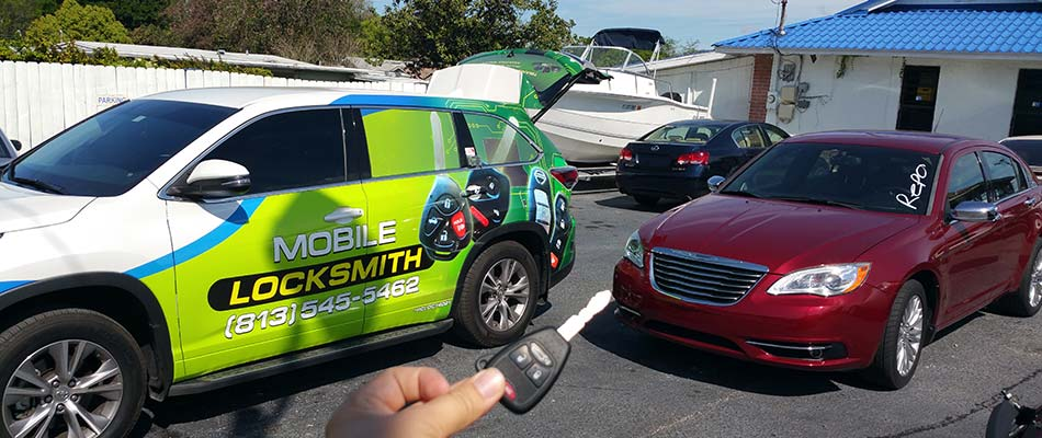 Key Replacement: Locksmith vs Dealership
