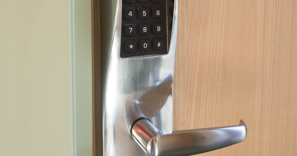New electronic lock with keyless deadbolt installed in Tampa, FL.